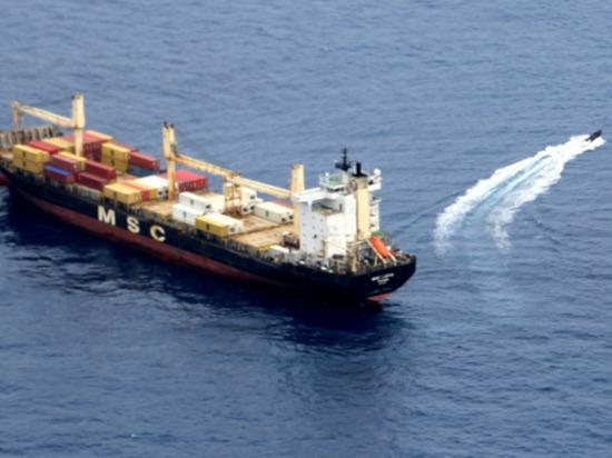 В понедельник, 25 октября, моряки Северного флота спасли грузовое судно, следовавшее под флагом Панамы от пиратов в Гвинейском заливе, сообщила пресс-служба Минобороны России