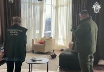 Нам стали известны подробности личной жизни бывшего топ-менеджера «Смоленского банка» Михаила Яхонтова, которого вместе с 39-летней супругой и восьмилетним сыном 26 октября нашли зарезанными в доме на Мосфильмовской улице