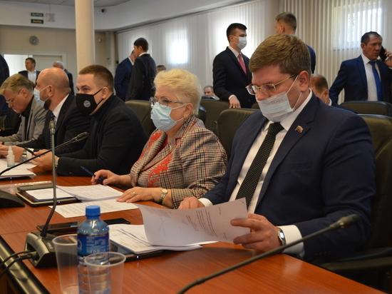 Депутаты согласовали кандидатуру нового первого заместителя главы города, увеличили бюджет на социальное строительство и приняли решения об увековечении памяти известных краснодарцев