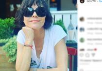 По словам знаменитости, ей было неловко возле молодого актера