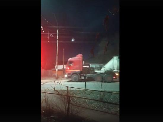 В нескольких городах и населенных пунктах Кемеровской области было замечено НЛО странной формы, кадры опубликовали пользователи Сети