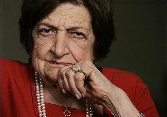 89-летнюю Хелен Томас «ушли» за резкие слова в адрес израильтян. ВИДЕО