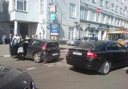 «Мигалки» продолжают хамить на дорогах. ФОТО