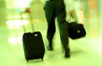 Путешественников на чужбине не бросят в беде