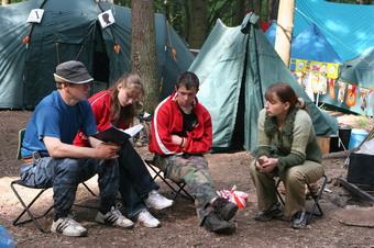 Не реже трех раз в неделю станут устраивать банные дни в палаточных лагерях этим летом при условии, что температура ночью в течение 3 дней подряд не опускается ниже 15°С
