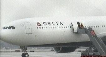 Студент из Лондона едва не подорвал самолет