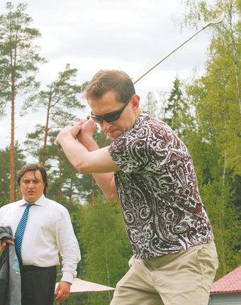 Популярный актер взял гольф-урок