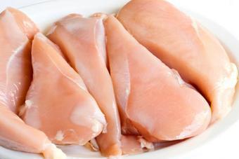 """Качество куриного мяса самых популярных в столице торговых марок вызывает беспокойство у Общества защиты прав потребителей """"Общественный контроль"""""""