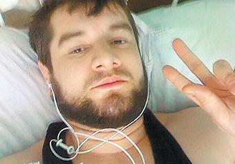 """За убийство Сулима Ямадаева в ОАЭ двоим дали пожизненное, а Иса Ямадаев передал """"МК"""" фотографию брата в госпитале"""