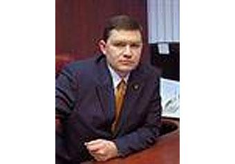 Глава управы отремонтировал коттедж за счет уборщиков
