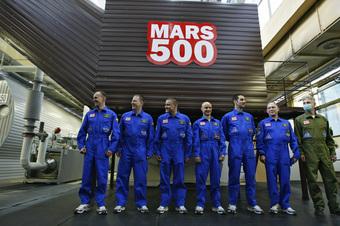 """Определиться с основными способами защиты от стресса и выработки положительных эмоций предстоит в ближайшее время участникам эксперимента """"Марс-500"""""""