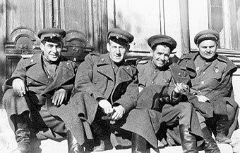 """Слова одной из самых известных военных песен написал дедушка корреспондента """"МК"""""""