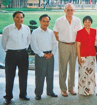 Хо Ши Мин умирал  под объективом кинокамеры