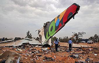 8-летний мальчик выжил в авиакатастрофе в Триполи
