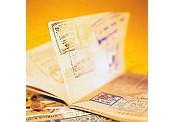 Раскошелиться придется иностранцам, которые решат открыть визу прямо на российской границе