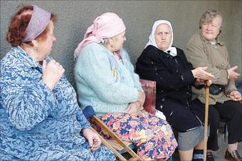 """За решетку отправилась парочка """"черных риелторов"""", которые обманом отнимали квартиры у пожилых москвичей"""