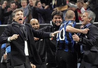 С помощью арбитра-соотечественника главного тренера «нерадзурри» Моуринью миланцы победили «Барселону»