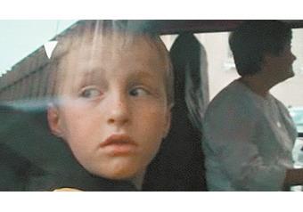 """""""МК"""" узнал все о судьбе Артема Савельева, которого американская мама вернула назад с запиской"""
