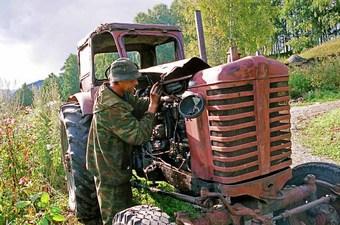 Обучение тракториста инспектор посчитала формальностью