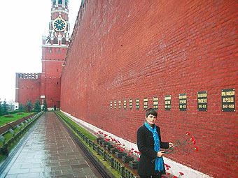 """Корреспондент """"МК"""" проник в глубинные тайны некрополя Кремлевской стены"""