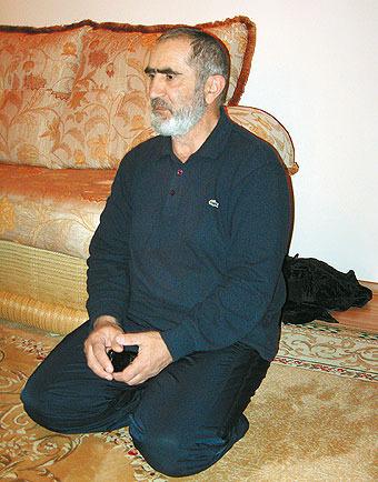 До терактов Джанет Абдулаева гостила в селе Балахани у Марьям Шариповой, отец которой не осуждает ее поступок