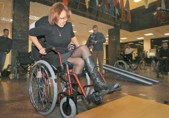 Сенаторы узнали, каково быть инвалидами