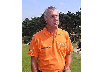 Легендарному футболисту и тренеру исполнилось 63 года