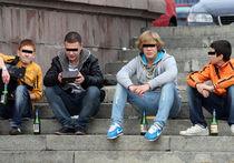 Губернаторов хотят штрафовать за пьющих подростков
