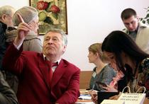 Жириновский приехал на «Майбахе»