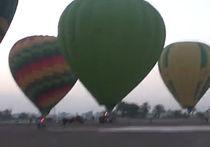 Опасное удовольствие полетать на воздушном шаре в Египте стоит около $100: ВИДЕО