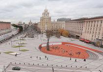 Триумфальная площадь станет красной