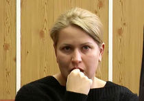 Евгения Васильева стихами ответила на обвинение Сердюкова
