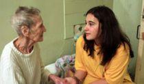 Брошенные старики мечтают о маме