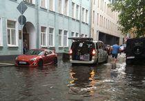 После ливня Москва встала в многокилометровых пробках
