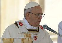 На интронизацию папа Римский Франциск отправился на белом джипе