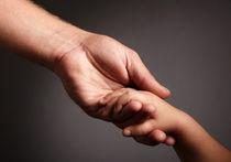 Как защитить сироту от корыстолюбивых «родителей»?