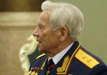 Скончался легендарный конструктор Калашников