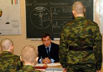 Выпускников в армию не возьмут