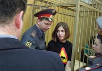 Детей участниц Pussy Riot берут под опеку адвокаты