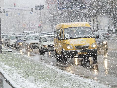 Снегопад накрыл север Подмосковья