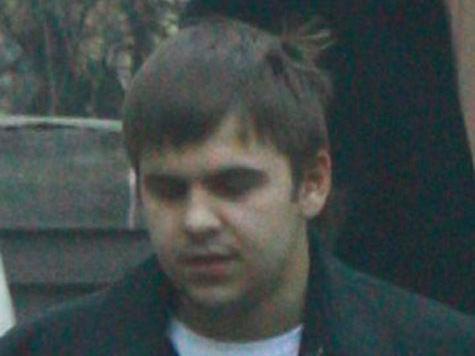 Бывший «нашист» Дмитрий Копылов уже находился под следствием за попытку подкупа сотрудников «Новой газеты». Теперь его по фото узнала и журналистка «МК»