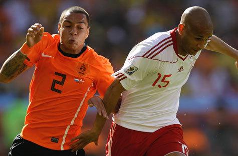 По вывеске матч Голландия—Дания смотрелся, пожалуй, круче всех за первые четыре дня чемпионата мира-2010. Даже посерьезнее, чем Франция—Уругвай и Аргентина—Нигерия