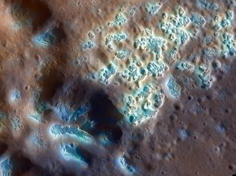 Messenger прислал новые снимки с самой ближней к Солнцу планеты