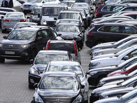 Контролеры начали отлавливать незаконно припаркованные служебные машины
