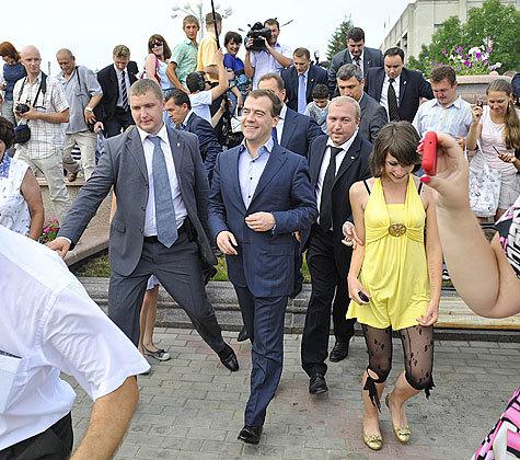 "Медведев ""настучит по башке"""