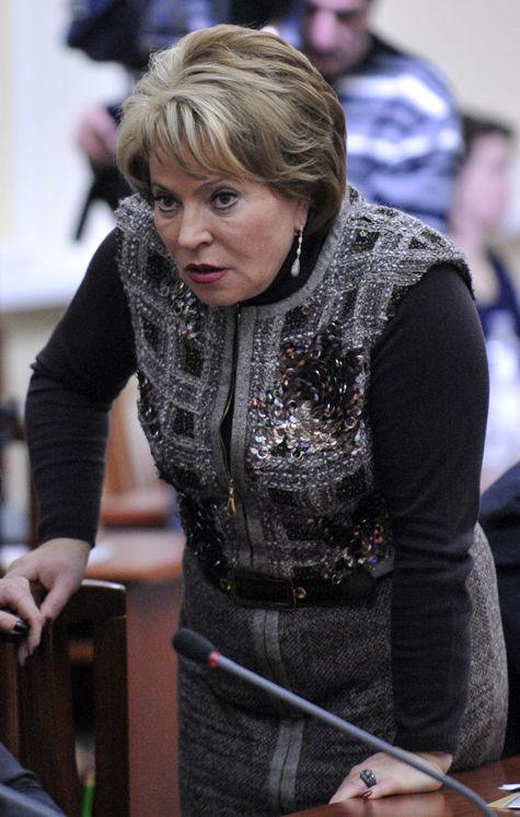 Депутаты требуют провести чистку сенаторов, а сенаторы хотят посадить депутатов в долговую яму