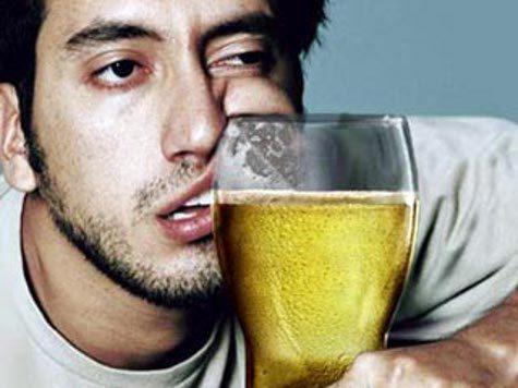 Алкоголь обладает позитивным аспектом: он повышает самооценку