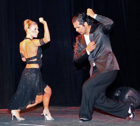 С миру по танцу