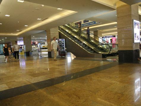 Новая экспресс-проверка торгового центра не признала опасные колонны несущими