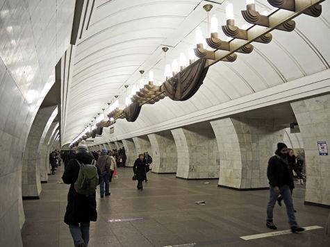 По задумке городских депутатов, подземка будет закрываться на вход не в 1.00, а в 1.30
